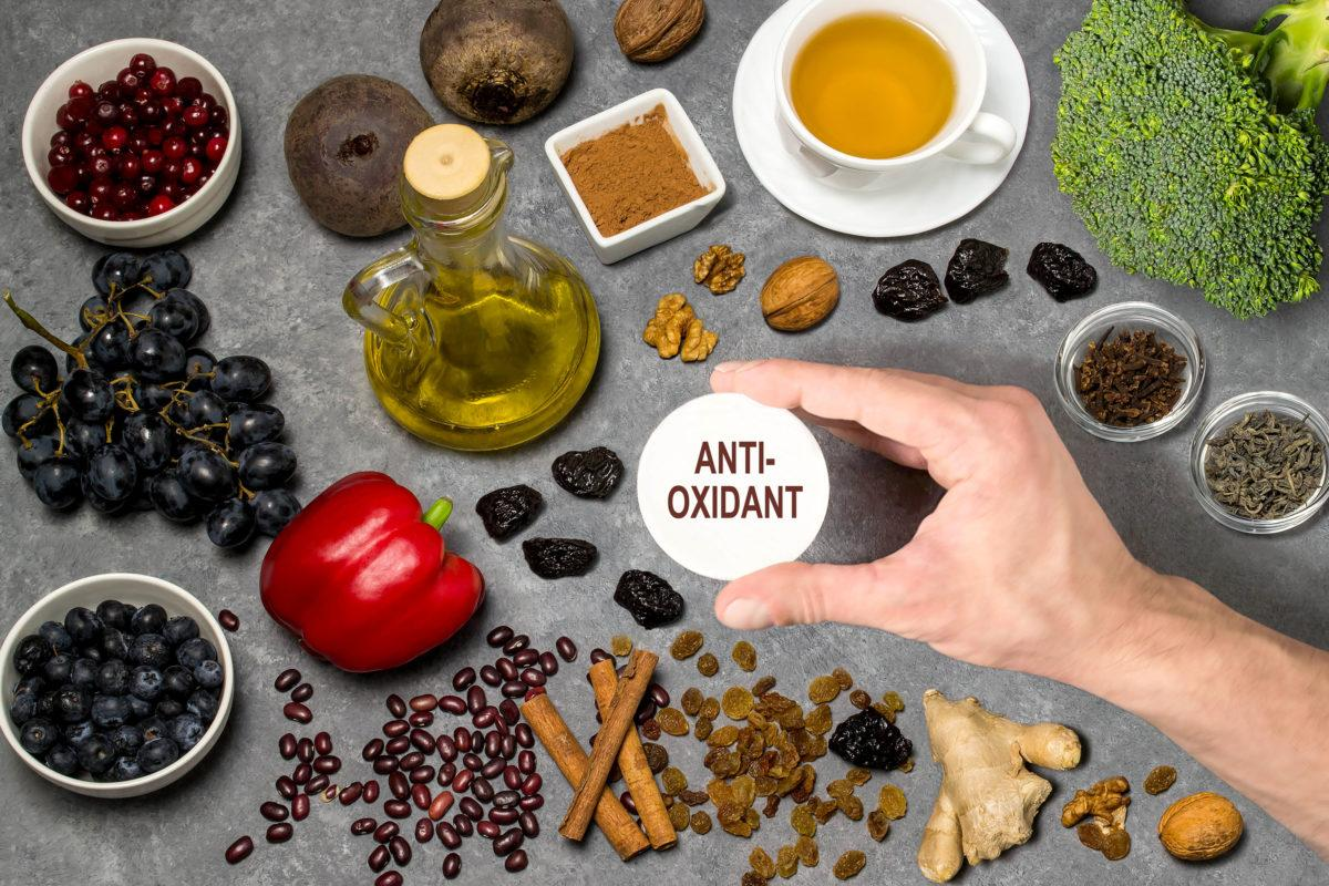 Antioxidants for schizophrenia